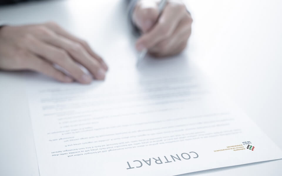 employment-contract-image